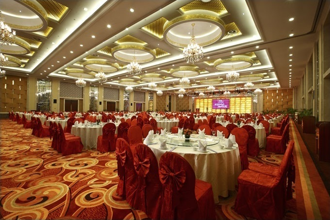 Interior designing for banquet hall delhi ncr for Wedding interior decoration images